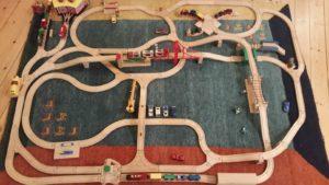 Holzspielzeug - Der Klassiker - die Holzeisenbahn